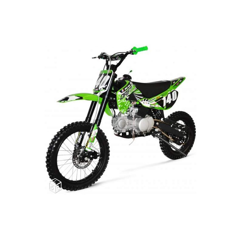 superbe dirt bike 125cc3 neuf 17 14 pouces universal bike. Black Bedroom Furniture Sets. Home Design Ideas